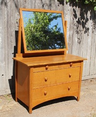 Original Gustav Stickley Harvey Ellis dresser chest with mirror, model 911.